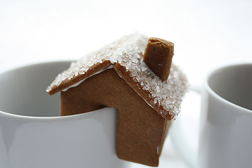 a few variations on my tiny gingerbread houses