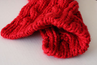 big red reversible cable scarf, the cast on end