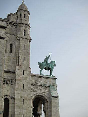 statue of a soldier on a horse