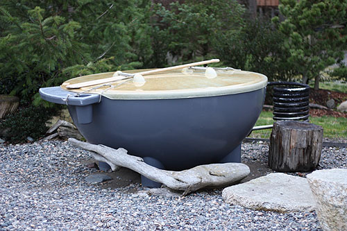 [ a Dutchtub, looking like an oversized plastic bowl ]