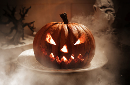a Jack-o-lantern cake with light inside