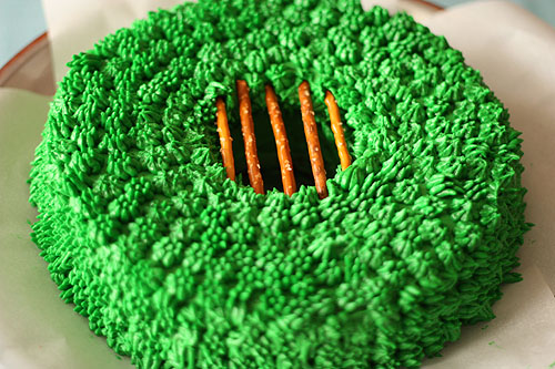 leprechaun trap rainbow cake