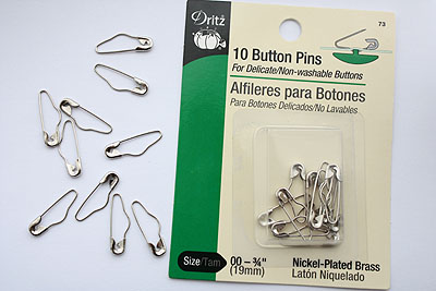 button pins package, Dritz brand, 3/4 inch