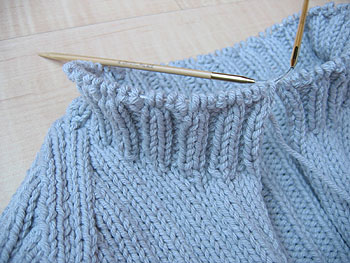 not martha — I'm knitting another sweater: beginning the collar